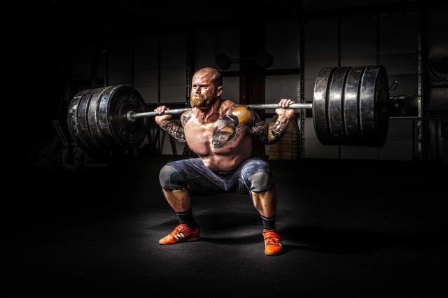 squat med vægtstang