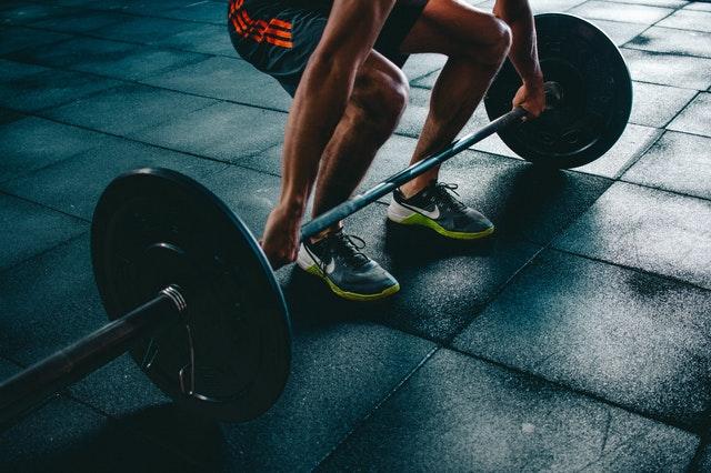Sådan undgår du bedst muligt skader, når du styrketræner